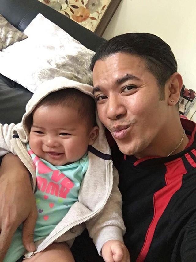 Kasim Hoang Vu tiet lo ve 2 con voi ban gai chua lam dam cuoi