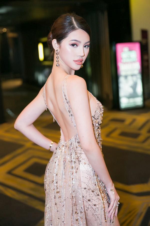 Jolie Nguyen co phat ngon soc ve tien bac nhu the nao?-Hinh-3