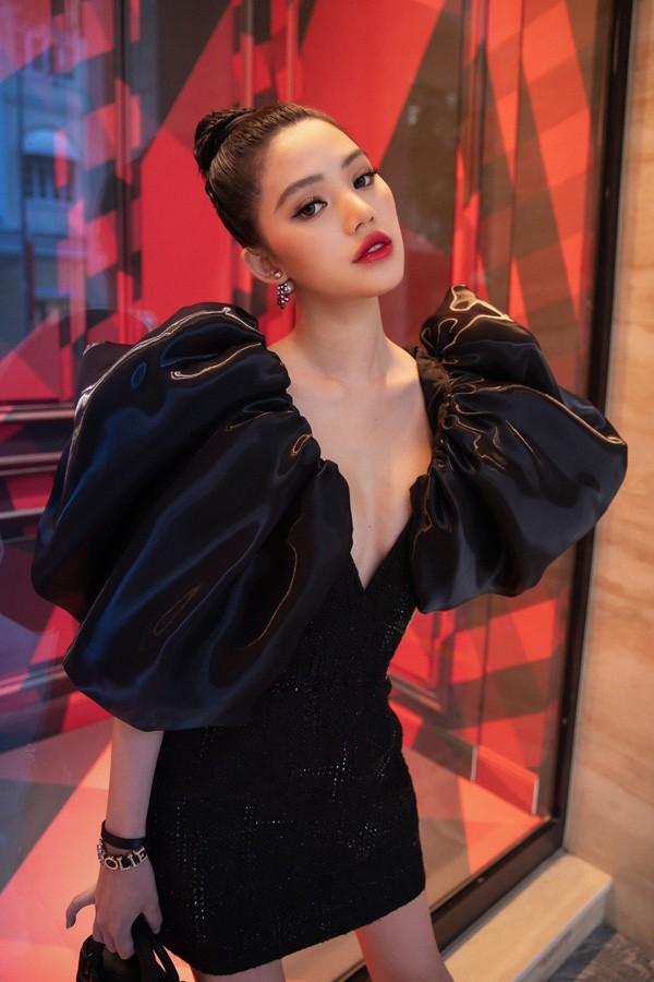 Jolie Nguyen co phat ngon soc ve tien bac nhu the nao?-Hinh-5