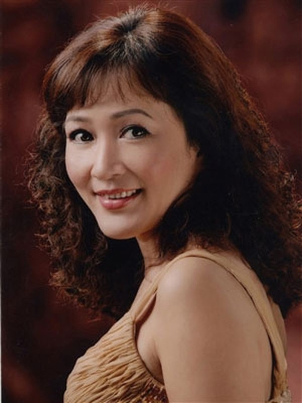 "NSND Minh Hoa: Thi hat doat giai va cu ""be lai"" thanh dien vien-Hinh-2"