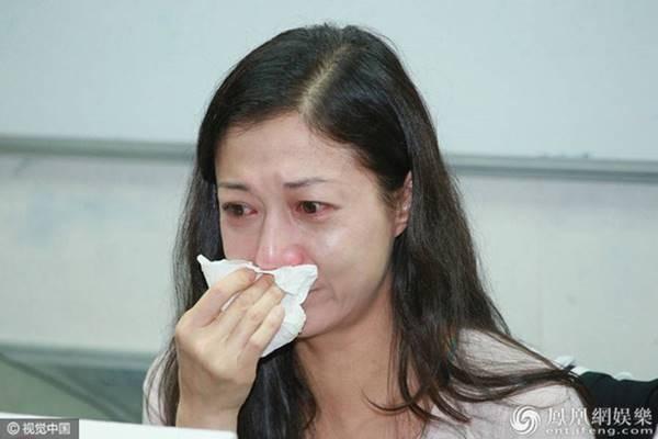 Ngo Y Loi phu nhan duoc Thanh Long chu cap 130 ty nuoi con