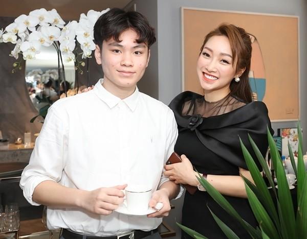 Con trai Chi Bao tiet lo dieu bat ngo ve ban gai cua ba-Hinh-3