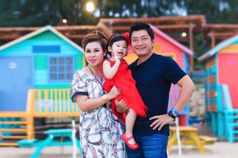Dien vien Kinh Quoc va vo dai gia 10 nam khong can dam cuoi-Hinh-5