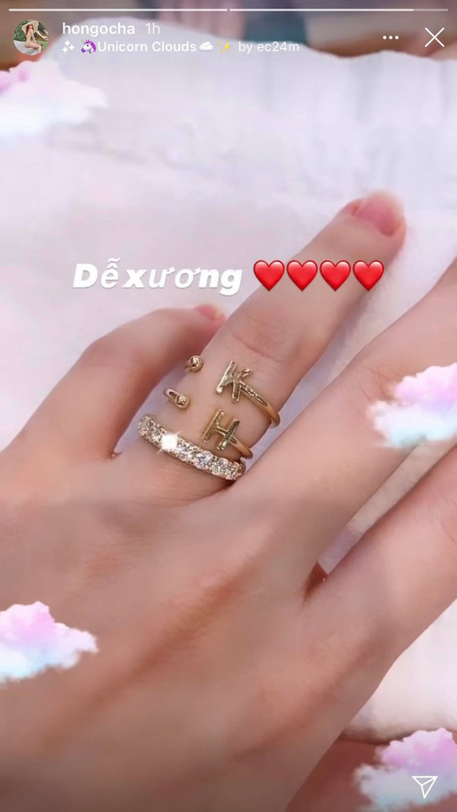 Ho Ngoc Ha khoe nhan kim cuong dang chu y la chi tiet dac biet