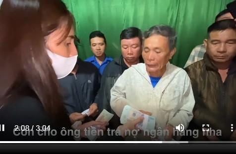 """Ba lo """"thach sanh"""" cua Thuy Tien va su that dang ngam..."""