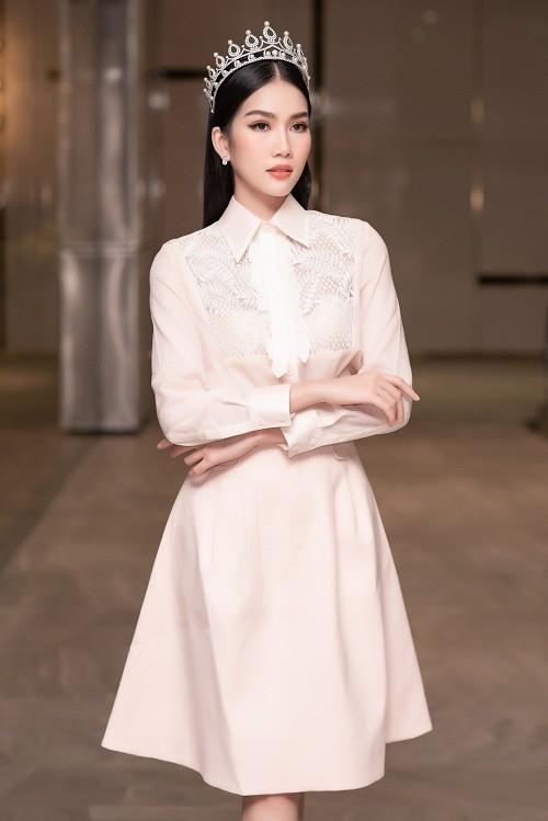 Fan quoc te du doan A hau Phuong Anh dang quang Miss International-Hinh-10