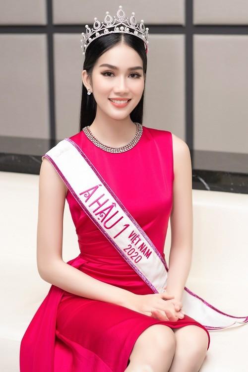 Fan quoc te du doan A hau Phuong Anh dang quang Miss International