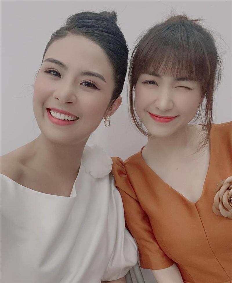 HH Ngoc Han pham dieu cam ky khi dang anh chup cung Hoa Minzy