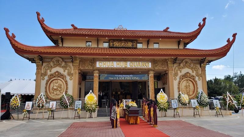 Hoai Phuong, Hoai Tam vinh biet nhac si Lam Phuong