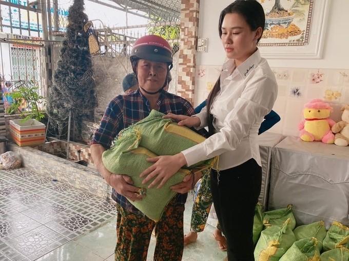 Tien phung dieu cua Van Quang Long duoc chia deu cho hai vo