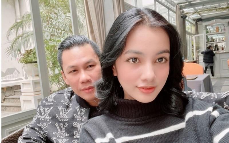 Lo clip chong cu Le Quyen tinh tu ben nguoi dep kem 27 tuoi-Hinh-4