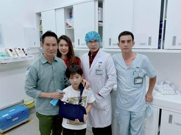 Con trai cua Ly Hai - Minh Ha gay tay dip Tet phai bo bot