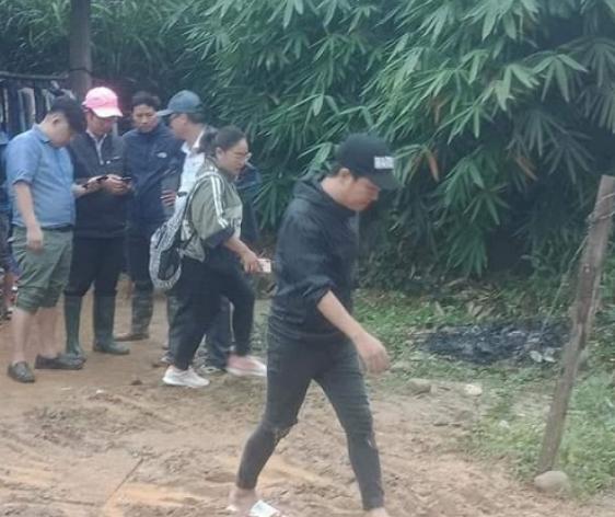 Truong Giang, Chi Dan mua 2 tan khoai mi giup dan nhung chi lay1kg-Hinh-2