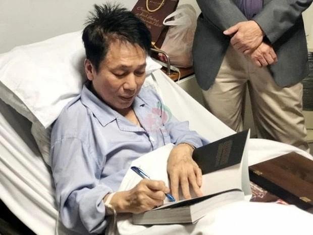 Nhac si Phu Quang nhap vien, phai tho bang may-Hinh-2