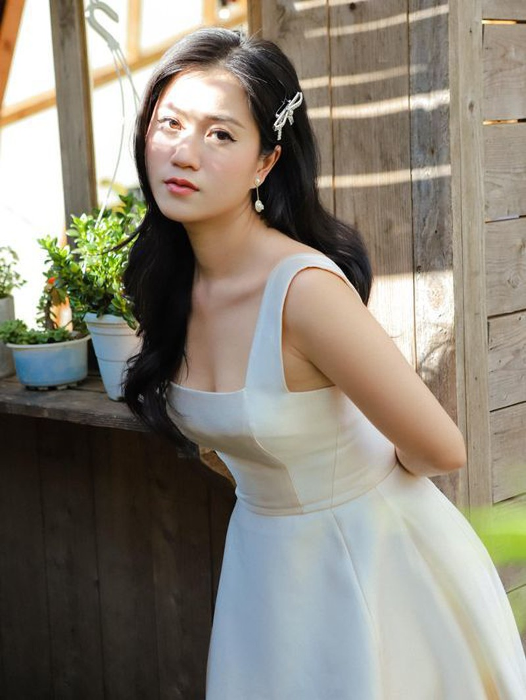 Thuy Tien khoe anh goi cam, khen ong xa Cong Vinh chup dep-Hinh-2