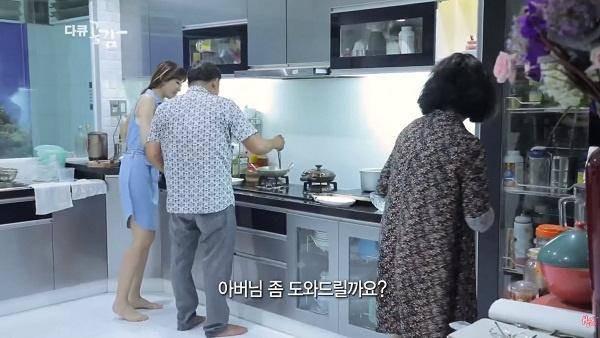 """Hari Won vo tinh de lo chon di ve, ai cung xuyt xoa """"qua giau""""-Hinh-3"""