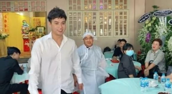 Ho Quang Hieu bi chi trich tuoi cuoi trong dam tang bo Hieu Hien-Hinh-4