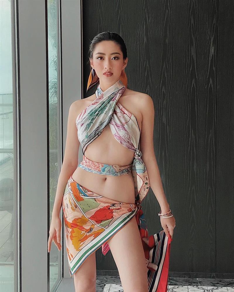 Luong Thuy Linh bi doa danh vi quan khan lam ao lo chan nguc-Hinh-6