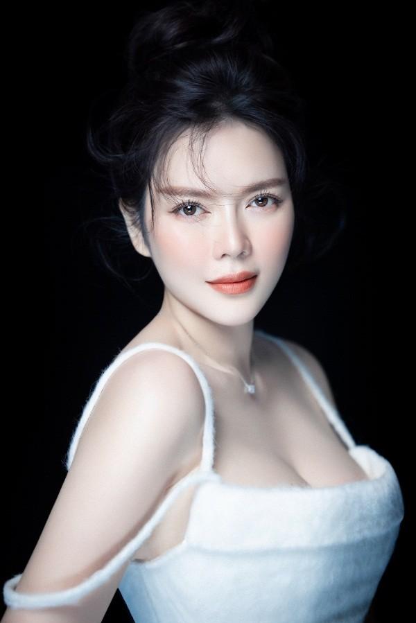 Ly Nha Ky khoe nhan sac lao hoa nguoc trong bo anh moi-Hinh-4