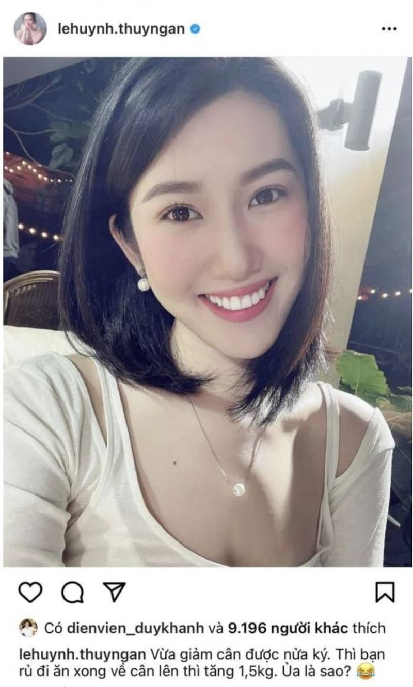 Thuy Ngan duoc tang bo hoa toan tien do, fan goi ten Truong The Vinh-Hinh-3