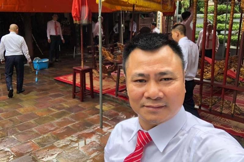 Quoc Khanh, Cong Ly va dan nghe si mung NSND Tu Long len lao
