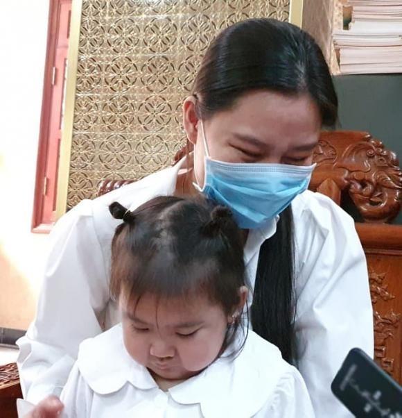 Ba me Van Quang Long tung bang chung Linh Lan gia mao nhan than-Hinh-6