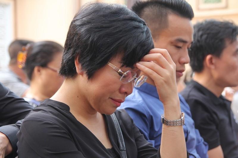 Hoang Nhuan Cam trong mat NSND Tu Long, MC Thao Van-Hinh-3