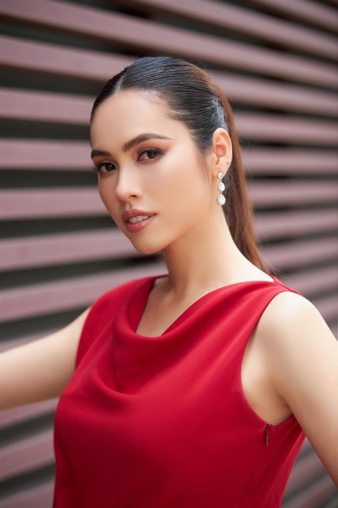 Nguoi dep choi xau Hoang My tai Miss Universe 2011 la ai?-Hinh-3