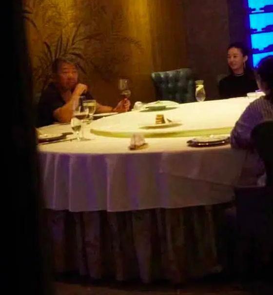 Phung Thieu Phong tung clip Trieu Le Dinh ngoai tinh, khoc loc xin tha?-Hinh-2