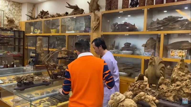Thu choi Hoai Linh: Dong kim cuong bang lon,