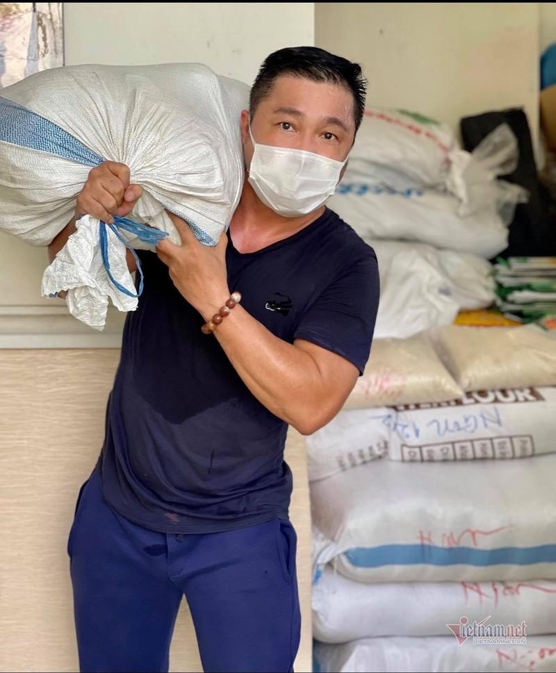 Ly Hung - Ly Huong gop 1 ty chong dich COVID-19 cho TP.HCM-Hinh-2