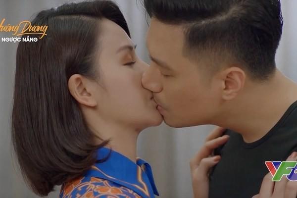 Hong Dang doi dau Manh Truong, cung Hong Diem tranh giai VTV Awards-Hinh-2