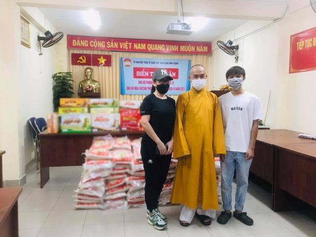 Thuc hu Phi Nhung nhiem COVID-19, la F0 ma di muon noi-Hinh-4