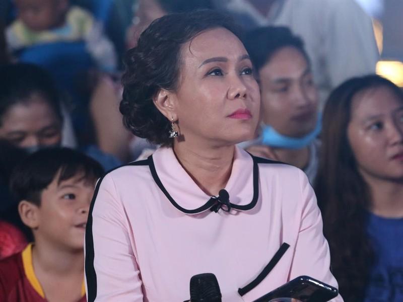 Viet Huong bi xoi clip