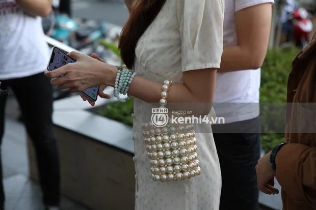 "Outfit di sao ke: Cong Vinh ""keo khoa quan"", Thuy Tien xinh het nac-Hinh-5"