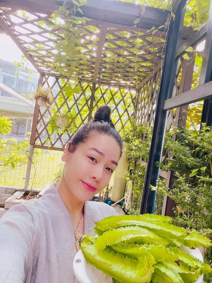 Nhan sac xinh dep cua MC Phi Linh VTV o tuoi 32-Hinh-12