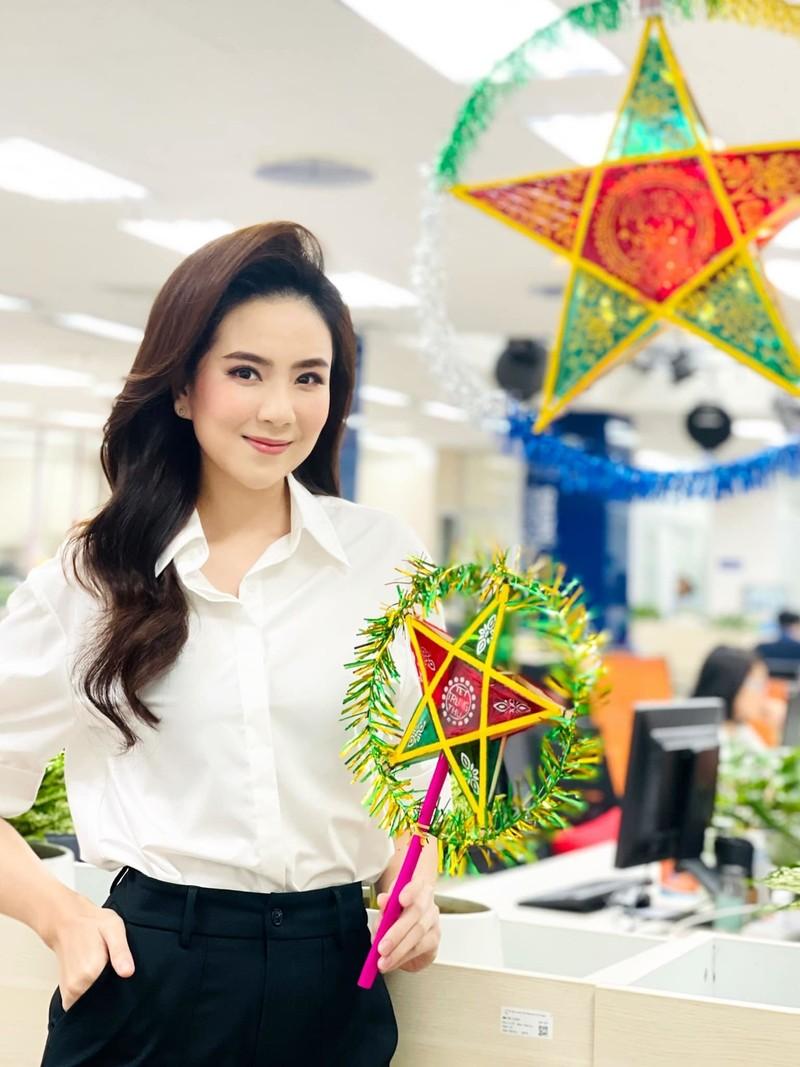 Nhan sac xinh dep cua MC Phi Linh VTV o tuoi 32-Hinh-9