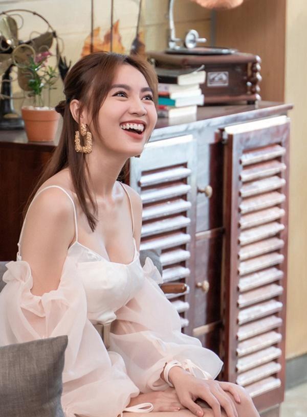Vong 1 cua Lan Ngoc troi sut that thuong het Ngoc Trinh-Hinh-9