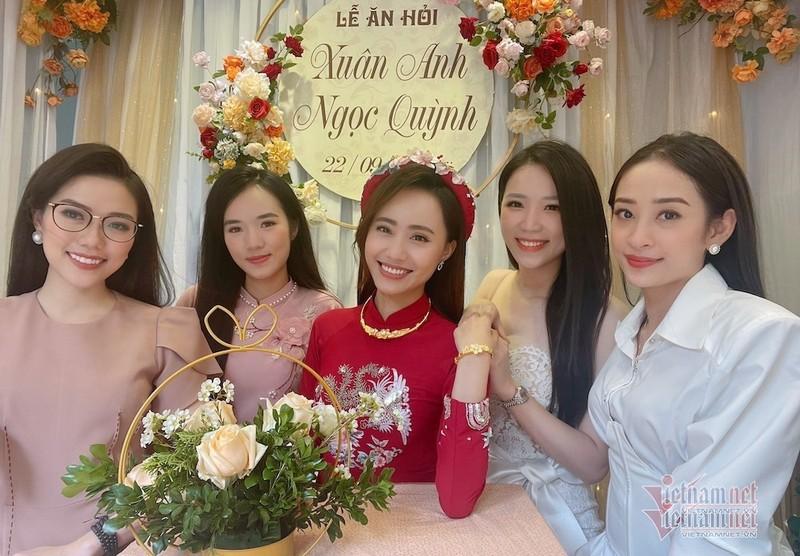 MC Xuan Anh thoi tiet VTV xinh dep trong le an hoi-Hinh-2