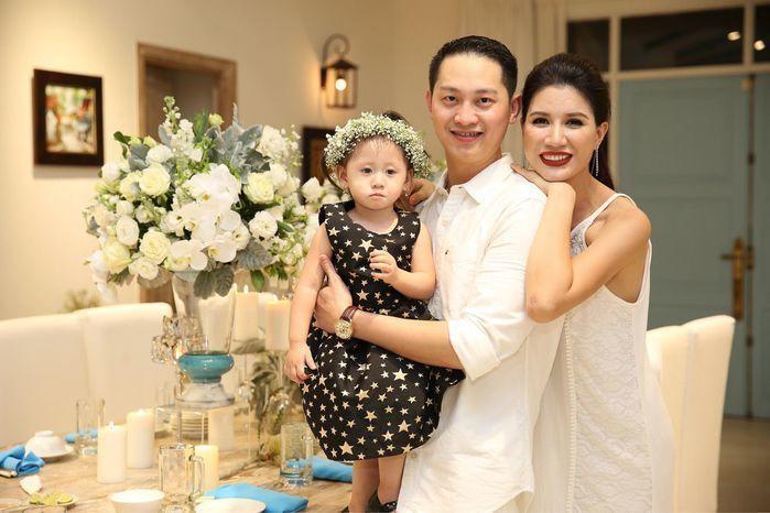 Trang Tran he lo so tien