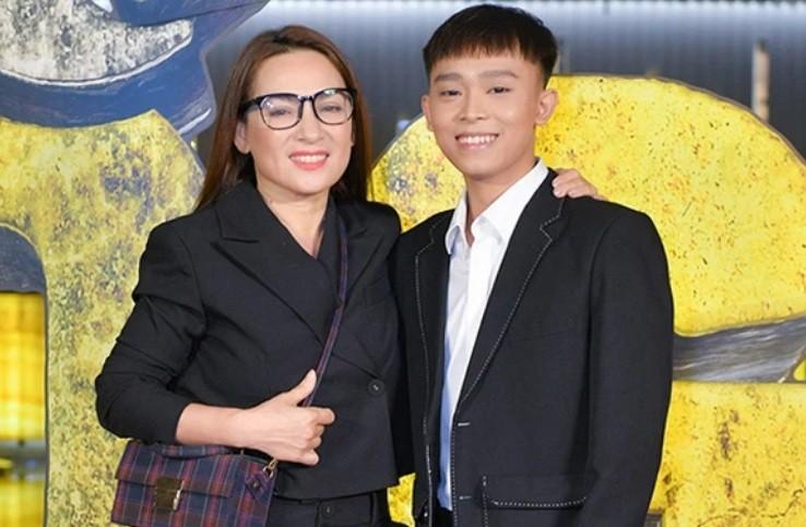 Quan ly Phi Nhung tuyen bo giai quyet chuyen Ho Van Cuong hom nay-Hinh-2
