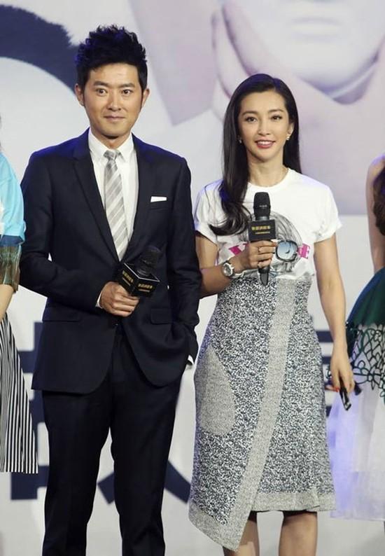Chuyen tinh yeu gian truan cua Ly Bang Bang voi ban trai kem 16 tuoi-Hinh-2