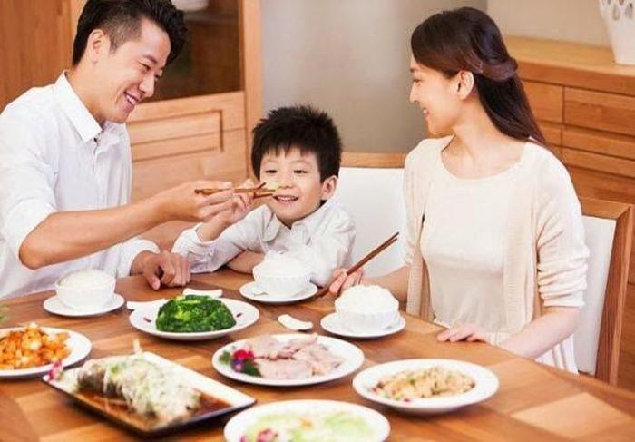 Bo tui cach phong benh cho tre dip Tet de con khoe manh du xuan-Hinh-3