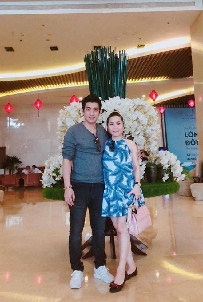 Chong cu Phi Thanh Van gay soc khi uong thuoc tu tu vi no nan chong chat-Hinh-3