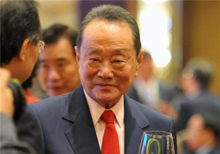 """""""Tien nhieu de lam gi"""" cua Dang Le Nguyen Vu va cach cac ty phu noi ve tien-Hinh-9"""