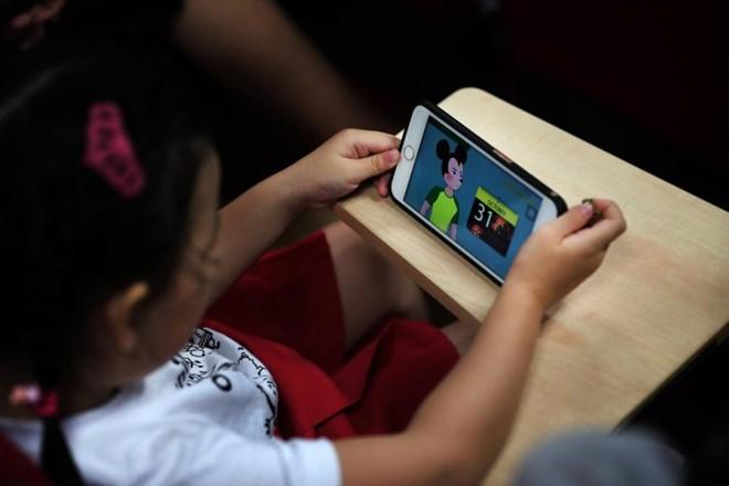 YouTube Kids xuat hien video huong dan tre em tu tu-Hinh-2