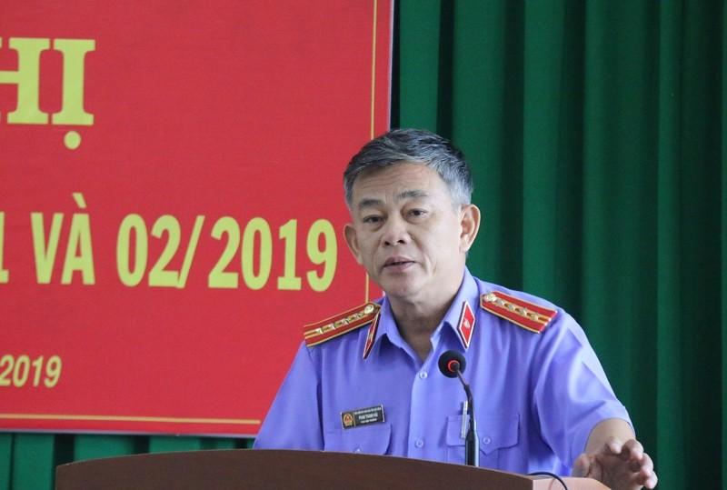Nguyen giam doc benh vien duoc dinh chi dieu tra... vi co nhieu Bang khen?-Hinh-2