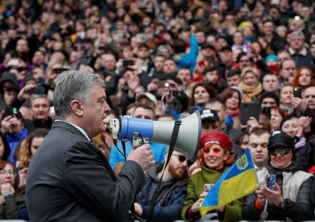 Bau cu Ukraine vong hai: Tong thong chap nhan dieu kien tranh luan