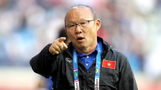 """VFF xoay tien the nao de """"troi chan"""" HLV Park Hang-seo truoc them SEAGames?"""