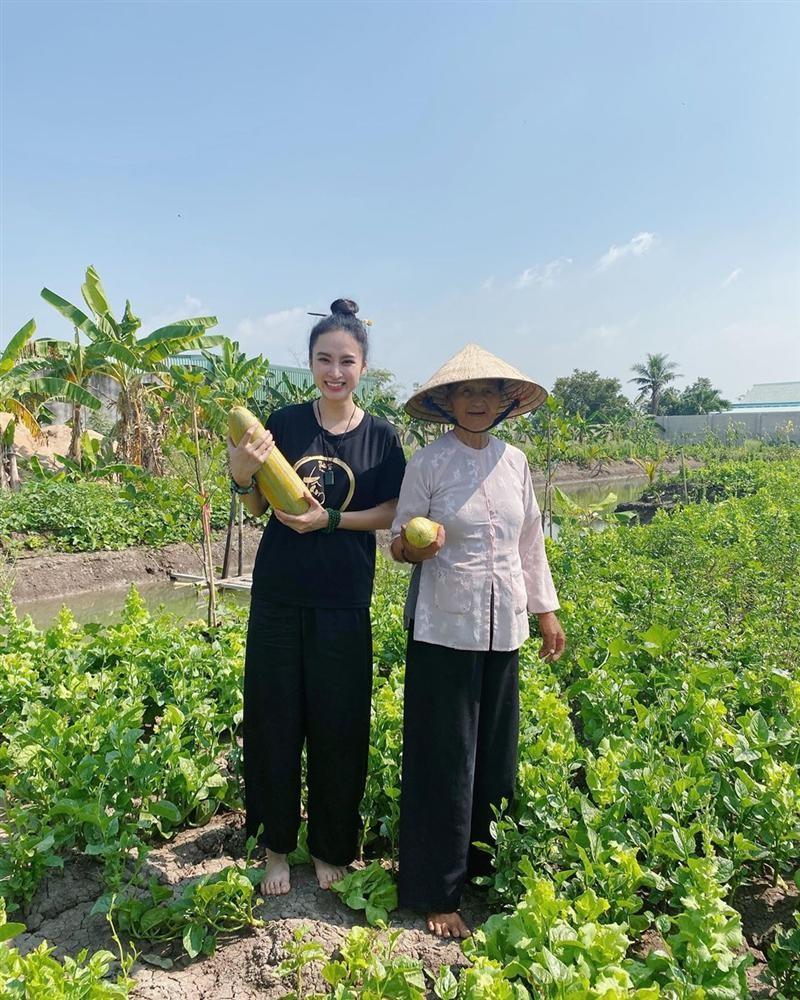 Angela Phuong Trinh khoe cuoc song binh di khi tro ve que noi-Hinh-2